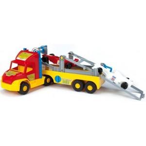 Super truck z formułą 1 WADER